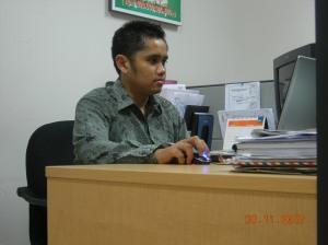 ngeblog pake aset kantor... =)